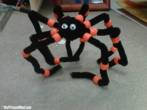 Spider pipe cleaner craft.  Instructions at the bottom.